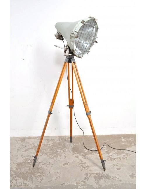 Scheepslamp op driepoot