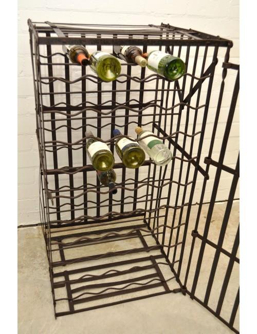 Oud wijnrek