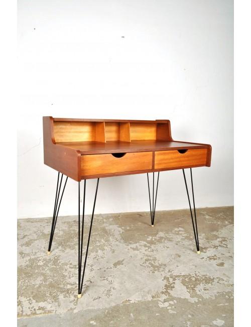 Pastoe hairpin desk